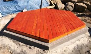 drevená podlaha pod altánok